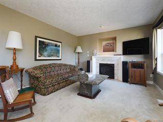 Photo 6: 1620 Nelles Pl in : SE Gordon Head Single Family Detached for sale (Saanich East)  : MLS®# 845374