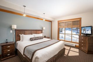 """Photo 10: 229A 2036 LONDON Lane in Whistler: Whistler Creek Condo for sale in """"LEGENDS"""" : MLS®# R2480646"""