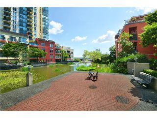 Photo 14: # 115 3 RENAISSANCE SQ in New Westminster: Quay Condo for sale : MLS®# V1044236