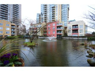 Photo 12: # 115 3 RENAISSANCE SQ in New Westminster: Quay Condo for sale : MLS®# V1044236