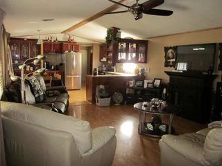 Photo 2: 5119 8 Avenue: Edson Mobile for sale : MLS®# 37104