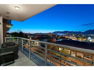 Photo 1: 409 298 E 11TH AVENUE in Vancouver: Mount Pleasant VE Condo for sale (Vancouver East)  : MLS®# R2053656