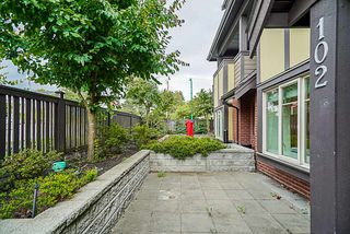 Photo 4: 102 7227 ROYAL OAK AVENUE in Burnaby: Metrotown Townhouse for sale (Burnaby South)  : MLS®# R2302097