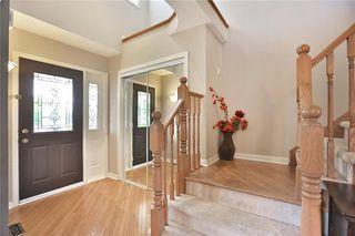 Photo 6: 2400 Guildstone Cres in : 1022 - WT West Oak Trails FRH for sale (Oakville)  : MLS®# 30523329