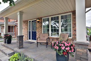 Photo 5: 2400 Guildstone Cres in : 1022 - WT West Oak Trails FRH for sale (Oakville)  : MLS®# 30523329