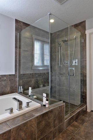 Photo 17: 2427 SAN FORTUNATO ST NW in Edmonton: Zone 27 House for sale : MLS®# E4160528