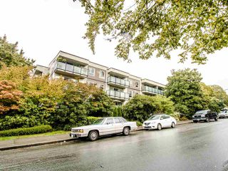 Photo 2: 213 2333 TRIUMPH Street in Vancouver: Hastings Condo for sale (Vancouver East)  : MLS®# R2413119