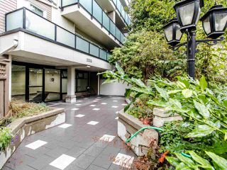 Photo 1: 213 2333 TRIUMPH Street in Vancouver: Hastings Condo for sale (Vancouver East)  : MLS®# R2413119
