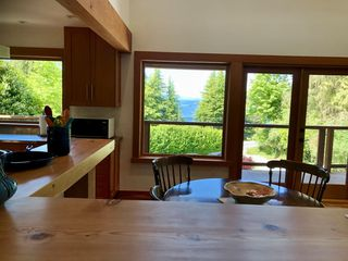 Photo 4: 5122 SUNSHINE COAST HWY Highway in Sechelt: Sechelt District House for sale (Sunshine Coast)  : MLS®# R2420732