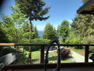 Photo 1: 5122 SUNSHINE COAST HWY Highway in Sechelt: Sechelt District House for sale (Sunshine Coast)  : MLS®# R2420732