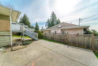 Photo 17: 1566 HAMMOND Avenue in Coquitlam: Central Coquitlam House for sale : MLS®# R2446274