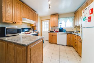 Photo 5: 1566 HAMMOND Avenue in Coquitlam: Central Coquitlam House for sale : MLS®# R2446274