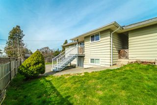 Photo 16: 1566 HAMMOND Avenue in Coquitlam: Central Coquitlam House for sale : MLS®# R2446274