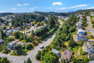 Photo 47: 651 Cairndale Rd in Colwood: Co Triangle House for sale : MLS®# 843816