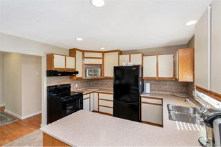 Photo 5: 651 Cairndale Rd in Colwood: Co Triangle House for sale : MLS®# 843816