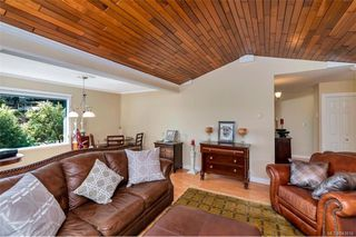 Photo 11: 651 Cairndale Rd in Colwood: Co Triangle House for sale : MLS®# 843816