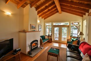 Photo 1: 5173 THREE CEDARS Drive in Madeira Park: Pender Harbour Egmont House for sale (Sunshine Coast)  : MLS®# R2479912