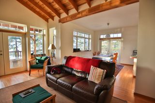 Photo 6: 5173 THREE CEDARS Drive in Madeira Park: Pender Harbour Egmont House for sale (Sunshine Coast)  : MLS®# R2479912