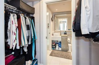 """Photo 15: 1105 833 SEYMOUR Street in Vancouver: Downtown VW Condo for sale in """"Capitol Residences"""" (Vancouver West)  : MLS®# R2499995"""