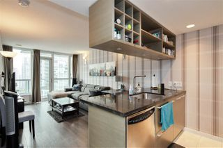 """Photo 6: 1105 833 SEYMOUR Street in Vancouver: Downtown VW Condo for sale in """"Capitol Residences"""" (Vancouver West)  : MLS®# R2499995"""