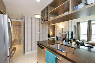 """Photo 8: 1105 833 SEYMOUR Street in Vancouver: Downtown VW Condo for sale in """"Capitol Residences"""" (Vancouver West)  : MLS®# R2499995"""