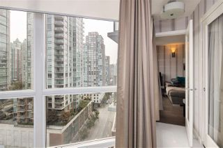 """Photo 13: 1105 833 SEYMOUR Street in Vancouver: Downtown VW Condo for sale in """"Capitol Residences"""" (Vancouver West)  : MLS®# R2499995"""