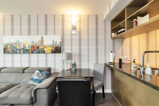 """Photo 5: 1105 833 SEYMOUR Street in Vancouver: Downtown VW Condo for sale in """"Capitol Residences"""" (Vancouver West)  : MLS®# R2499995"""