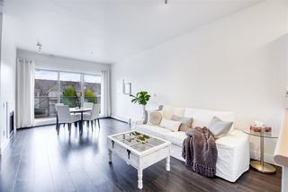 """Photo 15: 301 2109 ROWLAND Street in Port Coquitlam: Central Pt Coquitlam Condo for sale in """"PARKVIEW PLACE"""" : MLS®# R2508177"""