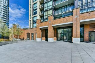 "Photo 17: 2202 10777 UNIVERSITY Drive in Surrey: Whalley Condo for sale in ""CITY POINT"" (North Surrey)  : MLS®# R2511547"