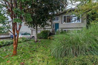 Photo 3: 46420 CORNWALL Crescent in Chilliwack: Chilliwack E Young-Yale House for sale : MLS®# R2513593