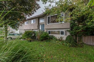 Photo 2: 46420 CORNWALL Crescent in Chilliwack: Chilliwack E Young-Yale House for sale : MLS®# R2513593
