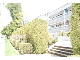 Photo 1: 208 601 NORTH Road in Coquitlam: Coquitlam West Condo for sale : MLS®# V942923