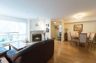 "Photo 7: 22 780 W 15TH Avenue in Vancouver: Fairview VW Townhouse for sale in ""SIXTEEN WILLOWS"" (Vancouver West)  : MLS®# V987109"