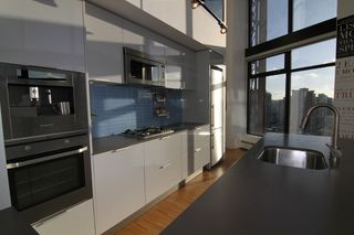 "Photo 7: 2910 128 W CORDOVA Street in Vancouver: Downtown VW Condo for sale in ""WOODWARDS"" (Vancouver West)  : MLS®# V987819"