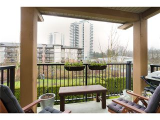 Photo 9: 208 500 KLAHANIE Drive in Port Moody: Port Moody Centre Condo for sale : MLS®# V988656