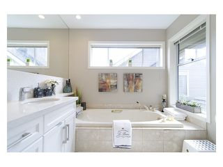 "Photo 7: 635 W 27TH Avenue in Vancouver: Cambie Townhouse for sale in ""Grace Estates"" (Vancouver West)  : MLS®# V997460"