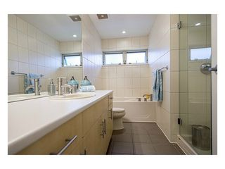 Photo 9: 38 3750 EDGEMONT Blvd in Capilano Highlands: Home for sale : MLS®# V999418