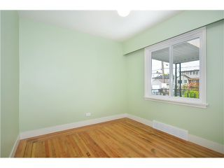Photo 8: 2552 WILLIAM Street in Vancouver: Renfrew VE House for sale (Vancouver East)  : MLS®# V1015127