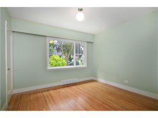 Photo 6: 2552 WILLIAM Street in Vancouver: Renfrew VE House for sale (Vancouver East)  : MLS®# V1015127