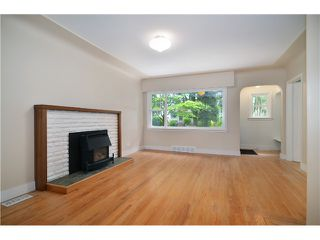 Photo 3: 2552 WILLIAM Street in Vancouver: Renfrew VE House for sale (Vancouver East)  : MLS®# V1015127