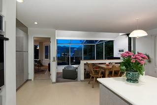 """Photo 21: 4318 W POINT Place in Vancouver: Point Grey House for sale in """"West Point Place"""" (Vancouver West)  : MLS®# V1020121"""