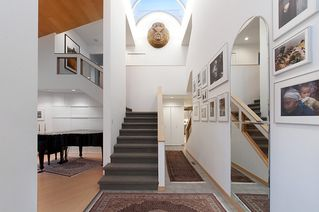 """Photo 4: 4318 W POINT Place in Vancouver: Point Grey House for sale in """"West Point Place"""" (Vancouver West)  : MLS®# V1020121"""