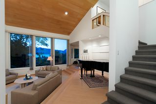 """Photo 8: 4318 W POINT Place in Vancouver: Point Grey House for sale in """"West Point Place"""" (Vancouver West)  : MLS®# V1020121"""