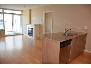 "Photo 8: 3205 898 CARNARVON Street in New Westminster: Downtown NW Condo for sale in ""AZURE 1 @ PLAZA 88"" : MLS®# V1078443"