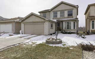 Photo 1: 24 Basel Avenue in Winnipeg: Single Family Attached for sale : MLS®# 1606898