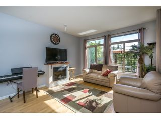 Photo 8: 130 15380 102A AVENUE in Surrey: Guildford Condo for sale (North Surrey)  : MLS®# R2062187