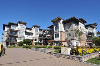 Photo 3: 401 11935 Burnette Street in maple ridge: East Central Condo for sale (Maple Ridge)  : MLS®# R2071855