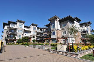 Photo 3: 401 11935 Burnette Street in maple ridge: East Central Condo for sale (Maple Ridge)  : MLS®# R2071855