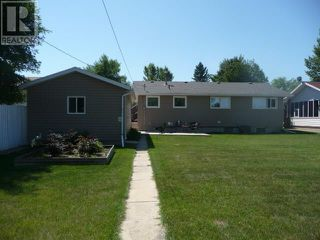 Photo 3: 4808 52 Avenue in Viking: Residential Detached for sale