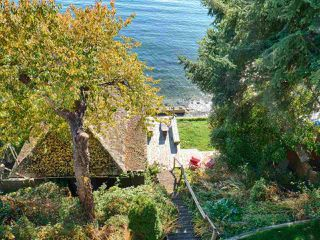 "Photo 2: 808 MARINE Drive in Gibsons: Gibsons & Area House for sale in ""GRANTHAM'S LANDING"" (Sunshine Coast)  : MLS®# R2392475"